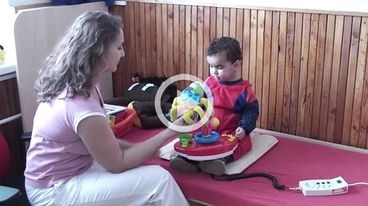 Ukázka aplikace magnetoterapie u malého dítěte